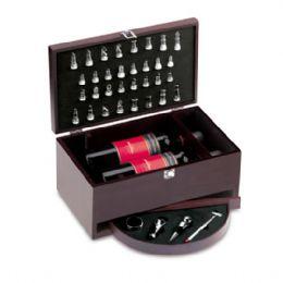 Kit vinho caixa de madeira para 2 garrafas de vinho e jogo de xadrez. Com corta gotas, vertedor, tampa para garrafa e termômetro.