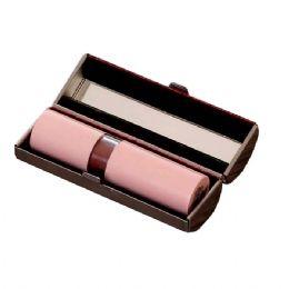 Porta batom metal com espelho e parte interna revestida de veludo.