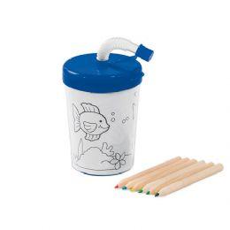 Copo para viagem.  PP e PS.  Com palhinha flexível.  3 desenhos para colorir (6 mini lápis de cor inclusos).  Capacidade: 200 ml.  Food grade.  ø72 x...