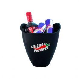 Baldes de gelo personalizados, com capacidade de 3,2 litros. É o brinde personalizado ideal para seu evento.
