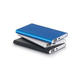 Bateria portátil slim. Alumínio. Bateria de lítio. Capacidade: 4.400 mAh. Tempo de vida ≥ 500 ciclos. Com entrada/saída 5V/1A. Incluso cabo USB/...