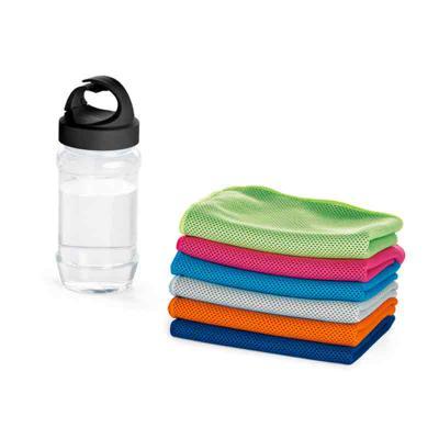 MT Brindes - Toalha para esporte. Toalha: poliamida e poliéster. Garrafa: PP e PET. Toalha refrescante, quando molhada permanece fria durante horas. Se aquecer, ba...