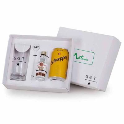 MatBrindes - 1 Gin Seagers 50ml 1 Tônica Schweppes 350ml 1 Mexedor 1 Copo de vidro 330ml 1 Caixa para presente  Obs.: podemos fazer outras combinações de marcas ou...