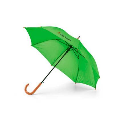 MatBrindes - Bonito e útil Esse brinde vai colocar sua arca em evidência em vários locais. Guarda-chuva. Poliéster 190T. Pega em madeira..Abertura automática.