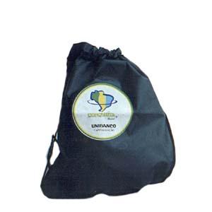 Embalagem - Mochila personalizada em TNT. Pode-se alterar cor, material e tamanho.