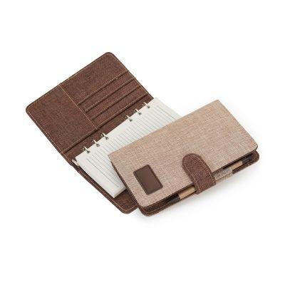 Marca Laser - Agenda ecológica A5 em algodão cru / marrom com ferragem 6 argolas, 120 folhas pautadas na cor creme, 4 divisões para cartões e uma divisão para docum...