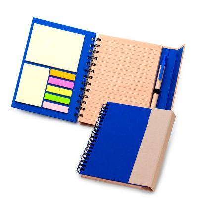 Marca Laser - Caderno de anotações personalizado, em espiral capa dura, fechamento através de ímã na aba externa, contendo 70 folhas em kraft pautado.