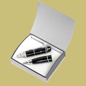 Madson Brindes - Caneta com pen drive e laser point, metalizada ou em cores.