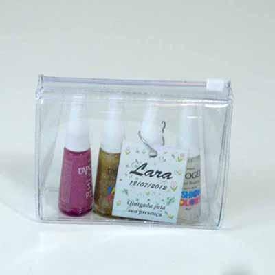 Brindes da Terra - Kit nécessaire de PVC cristal com esmaltes personalizados.