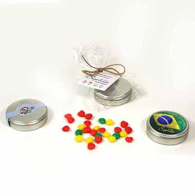 Brindes da Terra - Mini latinhas personalizadas com balinhas especiais.