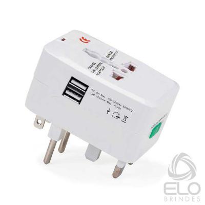 Elo Brindes - Adaptador de tomada universal USB personalizado