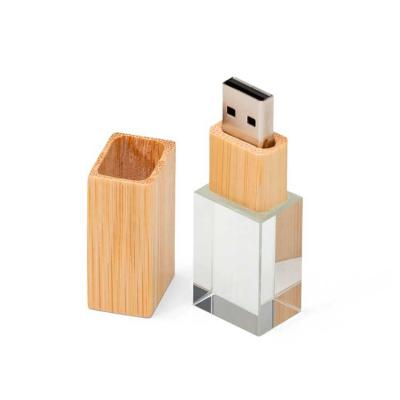 Elo Brindes - Pen drive cristal e bambu personalizado