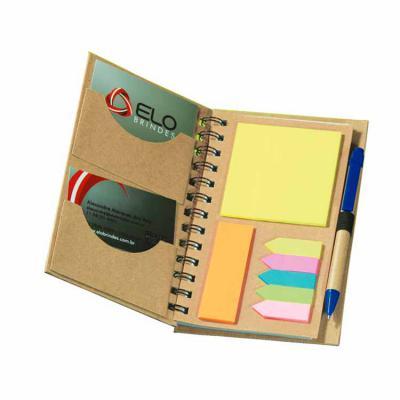 Elo Brindes - Super charmoso, o porta-recado / caderno wire-o personalizado conta com dois portas cartões, lembretes outo-adesivos colorido e folhas pautadas.  Mate...