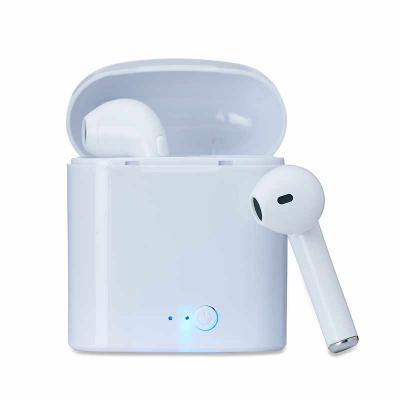 Globo Brindes - Fone bluetooth plástico com case carregador Personalizado. Para utilização do produto, pressione e segure o botão lateral de algum dos fones para ligá...