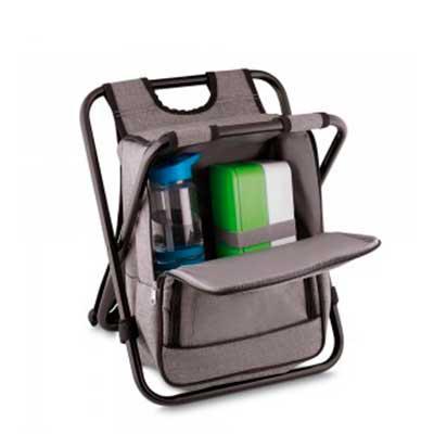 Globo Brindes - Bolsa térmica personalizada 25 litros com conversão em cadeira. Bolsa confeccionada em nylon, possui compartimento principal térmico e um bolso fronta...