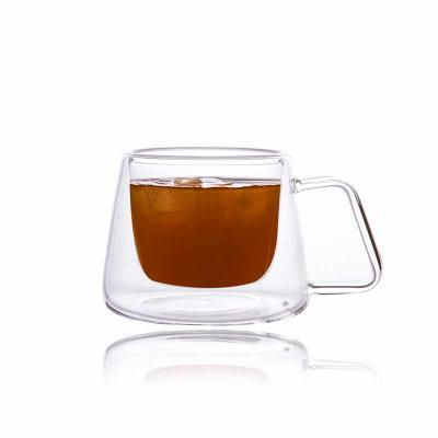 Queen's Brindes - Xícara Cristal Double Wall para Café com pires - 170 ml - Elegance