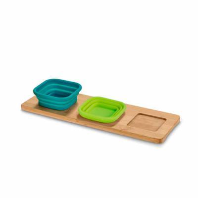 Queen's Brindes - Base de mesa com 3 potes. Bambu e silicone. Incluso caixa de cartão. Food grade. Potes: 87 x 87 x 50 mm | Base: 300 x 105 x 9 mm | Caixa: 310 x 110 x...