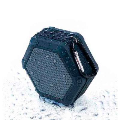 Queen's Brindes - Caixinha de som multifunções à prova d'água. Material plástico, possui tela de proteção do falante na cor cinza, pode ser submerso na água devido sua...