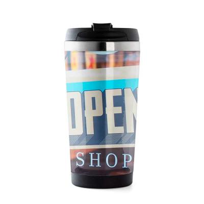 Queen's Brindes - Caneca 500ml porta foto, produzida em inox e com área externa em acrílico. Tampa de vedação rosqueável com abertura para consumo da bebida, possui tam...