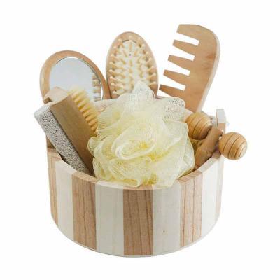 Queen's Brindes - Kit banho de madeira com 7 peças. Possui: espelho, escova de cabelo, esponja de banho, bucha de banho, massageador, pente e escova com pedra pomes. Ac...