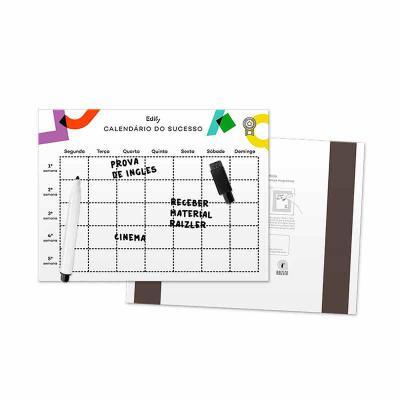 Raizler - Lousa com duas tiras magnéticas, tamanho 20x15cm, cores 4x0, acabamento final em termo-laminação brilho. Acompanha caneta com apagador.