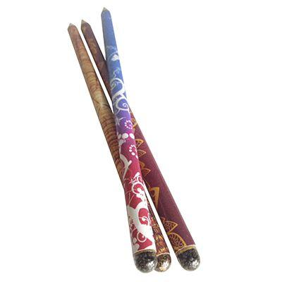 SP Ecologia - O lápis semente é um produto desenvolvido por nossa equipe,aonde após terminar de usar o lápis você deve enterrá-lo para que as sementes que estão nel...