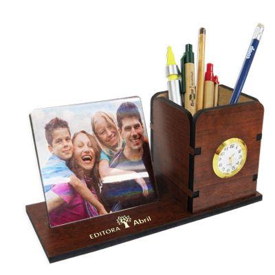 SP Ecologia - Porta canetas feito em MDF especial espessura de 6 mm na cor tabaco. Porta retrato para fotos 10 x 10 cm, personalização a laser ou UV (colorida). Rel...