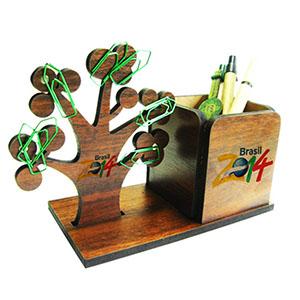 SP Ecologia - Porta-lápis em MDF personalizado com arvore magnetizada. Produto exclusivo SPecologia. Medidas 16x12x8 cm (LxAxP). Acompanha clips.