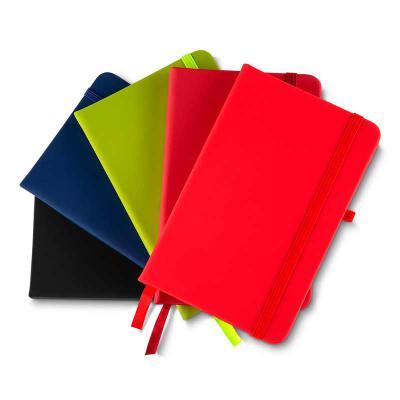 GH Brindes - Caderno de anotações com elástico, suporte para caneta, capa dura em material sintético, miolo 80 folhas pautadas cor bege.