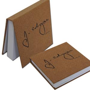 DZ9 Gráfica - Bloco de anotações personalizado - Linha kraft - Capa dura 11 x 11 cm - 200 folhas (off-set ou reciclado).