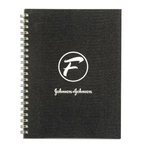 DZ9 Gráfica - Caderno Personalizado - Linha Percalux - Medidas: 21 x 28 cm. Aplicação em hot stamping ou baixo relevo. 96 folhas + dados pessoais/calendário padrão.