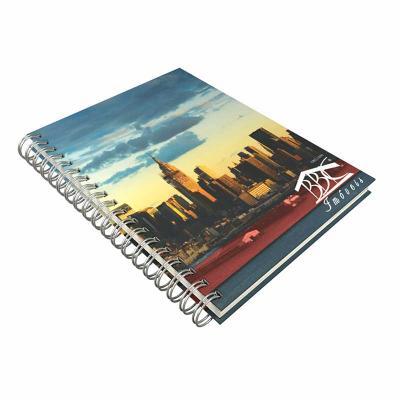 DZ9 Gráfica - Caderno personalizado linha Colors. Medidas: 15 x 21 cm.  - Capa 4 cores acabamento laminação fosca.  - 96 folhas + dados pessoais - Calendário padrão...