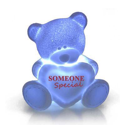 Polo Art - Luminária Decorativa - Teddy Bear  Exclusivo modelo, a Luminária Teddy Bear possui um formato especialmente modelada, com detalhes e texturas que real...