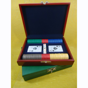 Armazém Brasileiro - Kit de poker personalizado composto por 100 fichas numeradas em dourado e acabamento lateral do tipo Madre Pérola, 02 baralhos com cartas plastificada...