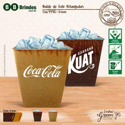 BB Grupo - Balde de Gelo Retangular Green 2,5l com design pratico e inovador . Feito com até 50% de fibra de coco ou madeira de reflorestamento.