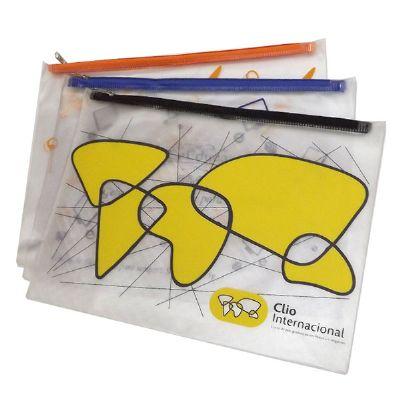 DiPort - Pasta Personalizada (medindo 28 x 38 cm), com zíper de tecido e PVC cristal 0,30 mm. Gravação em silk-screen ou baixo relevo.