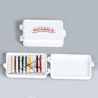 Estilo Brindes - Mini kit costura personalizado - Caixinha em plástico. Contém 9 pedaços de linhas + 2 botões + 1 agulha + 1 alfinete.  Medidas 6,5 x 4,5 x 1,3 cm.