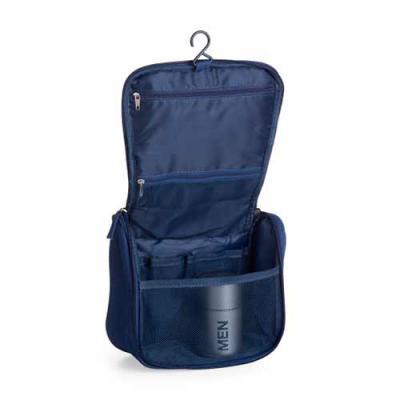 """Capital Brindes & Cia - Necessaire organizadora """"travel bag"""". Tecido nylon Oxford, possui bolso frontal e alça superior, parte interna com gancho plástico; bolso interno supe..."""