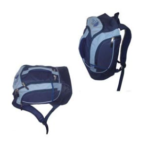 Master Bolsas - Bolsa mochila em nylon com alça de mão, de ombro e de costas em V, bolsos laterais. Adquira já a sua!