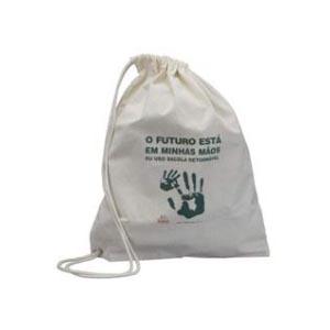 Master Bolsas - Mochila saco em algodão cru, com cordão em algodão e ilhós.