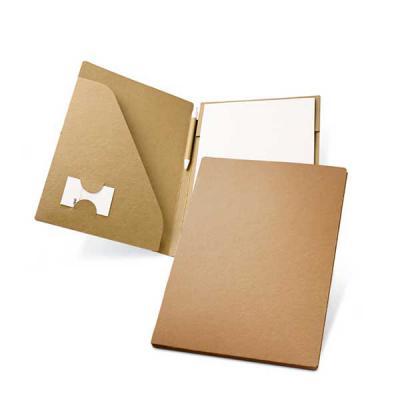 Zimi Brindes - Pasta A4. Cartão: 450 g/m². Bloco: 20 folhas não pautadas de papel reciclado. Incluso esferográfica.