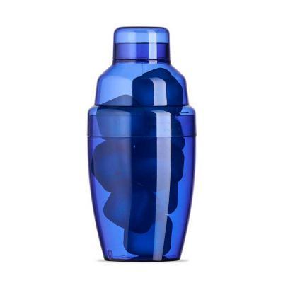 Santa Paula Brindes - 18510 - Coqueteleira plástica 230ml com gelo ecológico. Material colorido translúcido, possui tampa de encaixe com peneira e tampa protetora para boca...