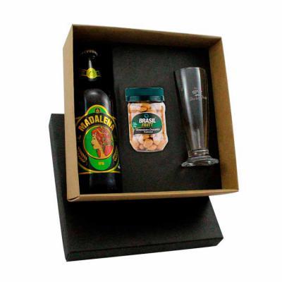 Beetrade Gift - Kit com Cerveja Madalena 1 taça e pote de nutts