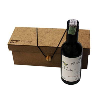 Beetrade Gift - Caixa MDF personalizada e garrafa de vinho Trapiche 187ml.