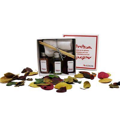 Beetrade Gift - Kit personalizado aromatizador contendo: 2 toalhas de mão, 1 sabonete líquido, 1 aromatizador e 1 caixa de papelão rígido.