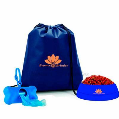 Essence Brindes - kit pet com comedouro, mochila e cata caca