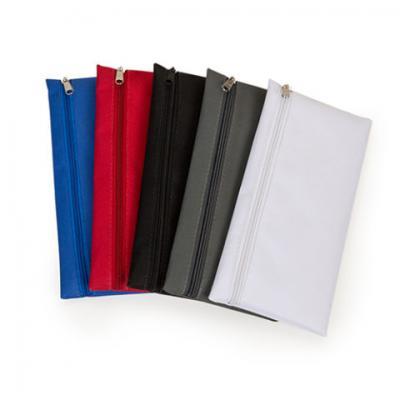 Brindes Qualy - Necessaire de nylon com diversas cores 12x24 cm.