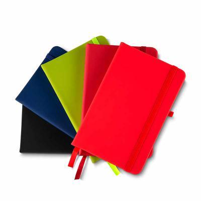 Brindes Qualy - Cadernos de anotações com elástico, suporte para caneta, capa com material sintético, 80 folhas  Dimensão Produto: 14x9x2cm