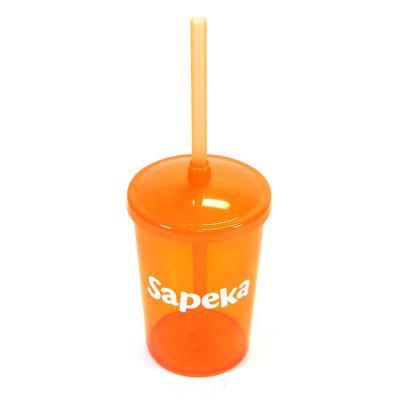 Fantastic Brindes - Copo 350 com tampa e canudo personalizado  Material: Plástico PS cristal. Capacidade: 350 ml. Medidas: 8,1 cm de diâmetro (boca), 6,2 cm de diâmetro (...