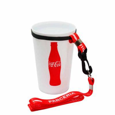 Fantastic Brindes - Copo 550 personalizado com cordão Material: Plástico PS cristal. Capacidade: 550 ml. Medidas: 9,2 cm de diâmetro (boca), 6,2 cm de diâmetro (base) e 1...